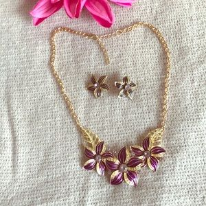 Jewelry - Flower earrings & necklace set